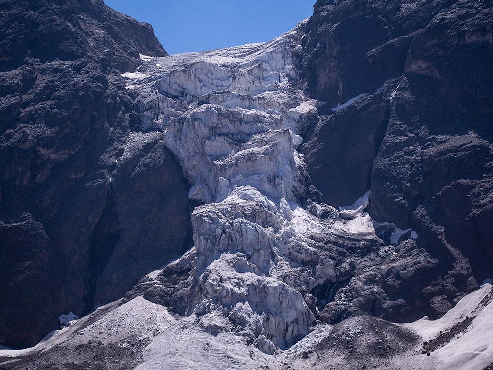 El Morado Hanging Glaciar - Santiago Outdoors