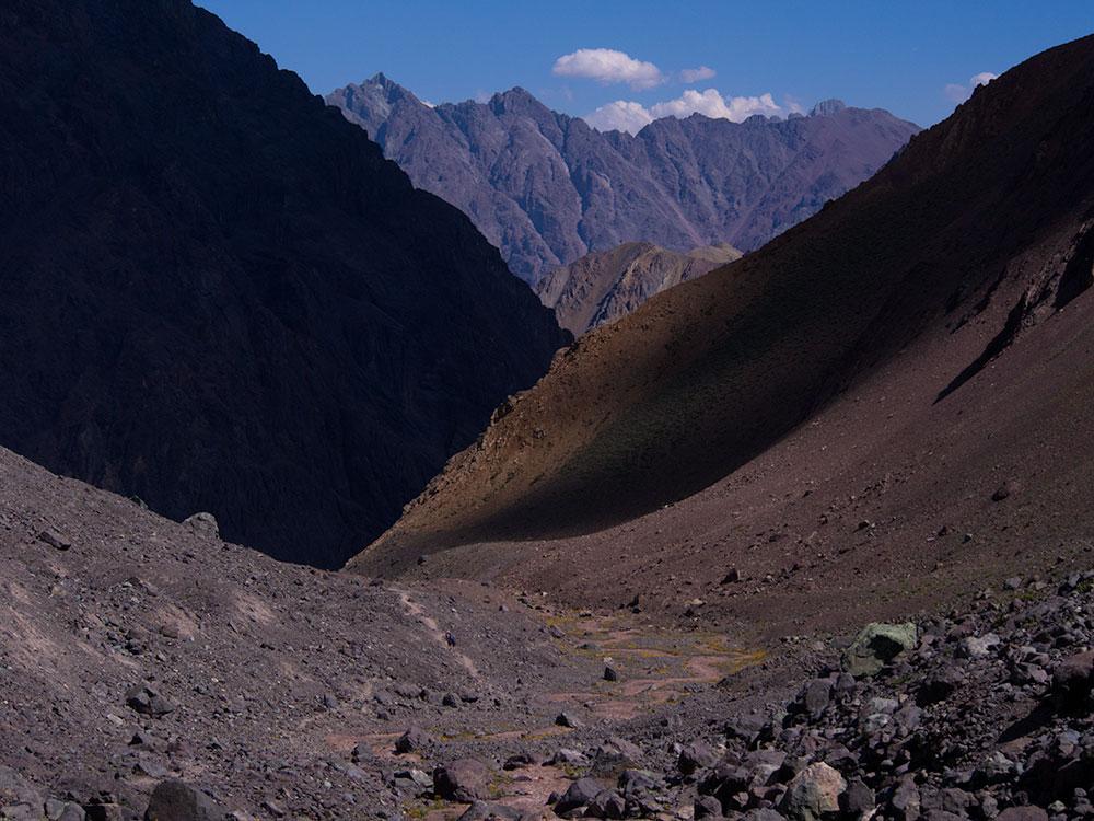 Valle Las Arenas, Cajón del Maipo, Chile - Hiking Tours Santiago