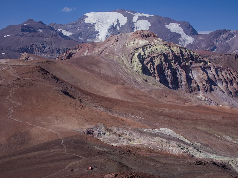 El Pintor, La Leonera and El Plomo seen from La Parva - Trekking near Santiago