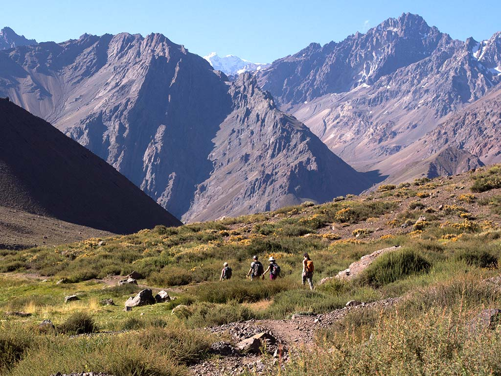 parque-andino-juncal-hikers